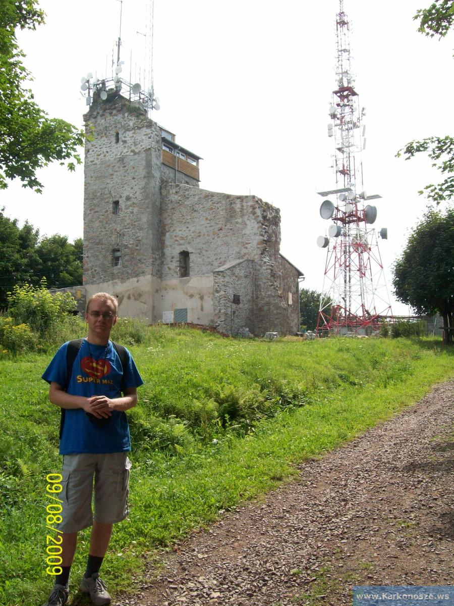 Wieża na szczycie Chełmca