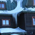 Oblodzone dachy