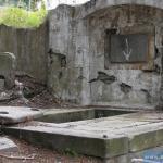 Zbezczeszczony grób