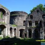 Dziedziniec zamku Świny